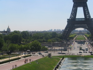 View_of_eiffel_tower_from_the_tro_3
